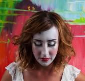 Retrato de uma mulher bonita com maquiagem — Fotografia Stock