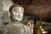 Sochy Buddhy v chrámu Dambulla Rock, Srí Lanka — Stock fotografie