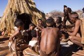 Peuple San en établissement autochtone — Photo