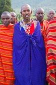 Kenyan maasai men in mantles — Zdjęcie stockowe