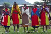 Kenyan maasai women in mantles — Stockfoto