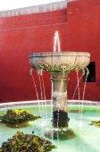 Santa Catalina fontanna w klasztorze Arequipa — Zdjęcie stockowe