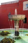 Santa Catalina fountain in Arequipa monastery — Stock Photo