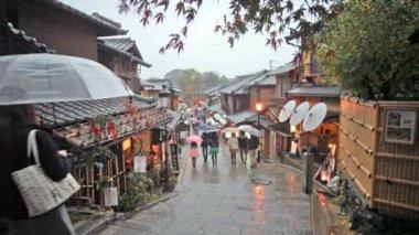 Kiyomizu-dera Temple Gate in Kyoto, Japan — Stockvideo
