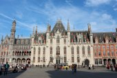 Province Court (The Provinciaal Hof) on the market place of Bruges — Fotografia Stock