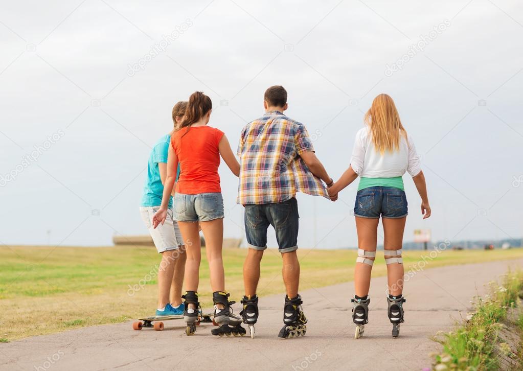 Картинки про лето с подростками со спины