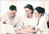 Zakelijke team met discussie in kantoor — Stockfoto