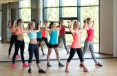 Group of women with dumbbells in gym — Foto de Stock