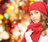 Young woman in winter clothes — Stock Photo