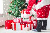 Close up of santa claus with presents — Foto Stock