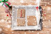 Closeup of gingerbread house details on pan — Zdjęcie stockowe