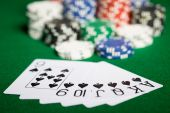 Close up of casino chips and playing cards — Stock Photo