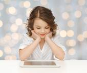 Happy smiling girl with tablet pc computer — Stock Photo