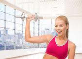 Sportif kadın onun pazı esneme yakın çekim — Stok fotoğraf