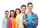 Grupo de adolescentes sonrientes — Foto de Stock