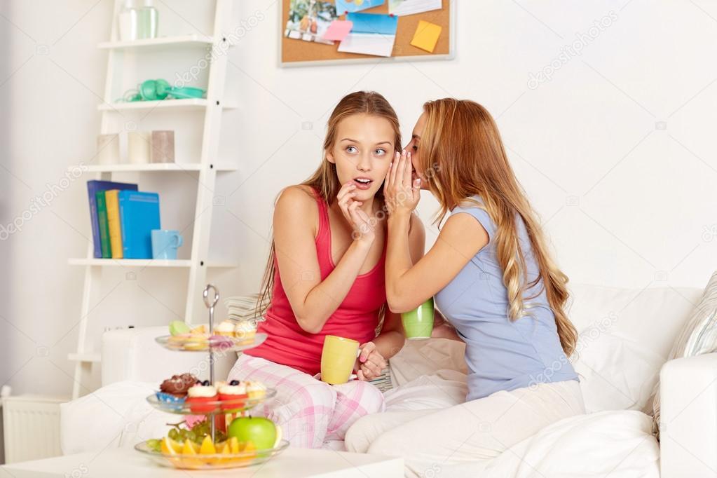 Женщины молодые дома фото фото 392-648