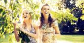Portrait of the laughing girlfriends — Stockfoto