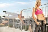 Fit and athletic couple duirng the training — Stock Photo