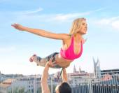 Attractive young couple training together — Stock Photo