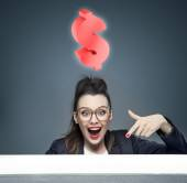 Attractive businesswoman with an idea for a new business — Stock Photo