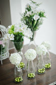 Flower decorate on table — Stock Photo