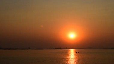 Sunset scene at sea, Sriracha, Chonburi, Thailand — Stock Video
