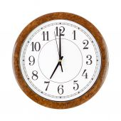 Clock face showing seven o'clock — Stock Photo