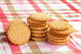 Round cookies on a table — Foto de Stock
