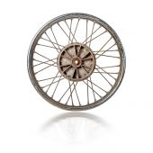 Old motorcycle rim isolated — 图库照片