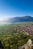Kalabaka town in Meteora mountains, Greece — Stock Photo