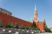 Nikolskaya tower with Kremlin wall — Zdjęcie stockowe