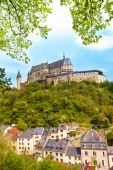 Vianden castle and village bellow — Stock Photo