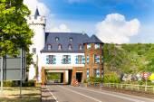 House above public road near Untermosel — Stock Photo