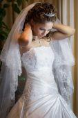 Beautiful brunette bride — Stock Photo
