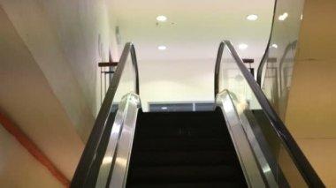 Panoramic angle of escalator — Stock Video
