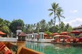 The Pool view in summer time on the tropical island of Phuket, Thailand, Asia — Stock Photo