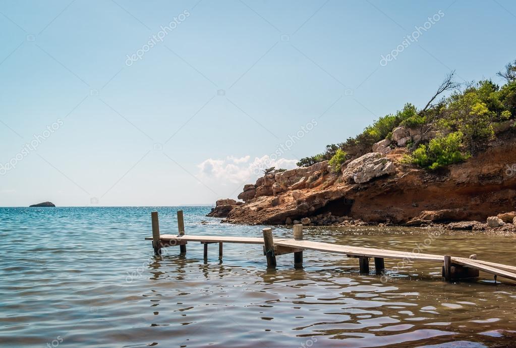 Praia de nudismo ibiza ilhas baleares espanha for Paginas de nudismo