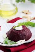 Beet salad with garlic — Stock Photo