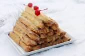 """""""Monastic hut"""" large cherry cake — Stock Photo"""