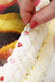 Decorate cake a  hearts — Stock Photo