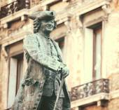 Statue of the great Italian playwright and librettist Carlo Gold — Stock Photo