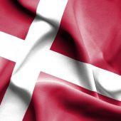 Ondeando bandera de Dinamarca — Foto de Stock