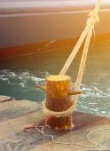 Ship fixed with rope to harbour — Stock Photo