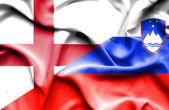 Waving flag of Slovenia and England — Stock Photo