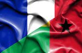 几内亚比绍和法国那飘扬的旗帜 — 图库照片