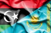 Ondeando la bandera de Kazajstán y en Libia — Foto de Stock