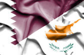 Waving flag of Cyprus and Qatar — Stock Photo