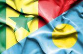 パラオ共和国とセネガルの旗を振っています。 — ストック写真