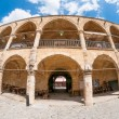 Buyuk Han (The Great Inn) cortile d'ingresso. Nicosia. Cipro — Foto Stock #53905997