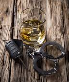 Glass of whiskey and car keys — Stock Photo
